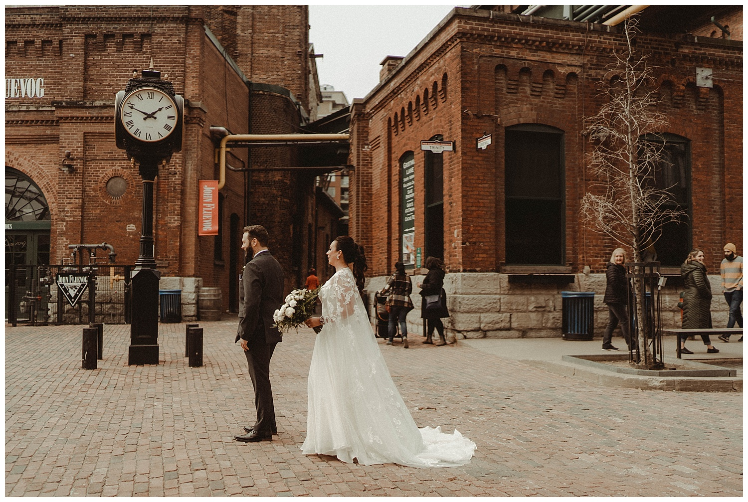 Katie Marie Photography | Archeo Wedding Arta Gallery Wedding | Distillery District Wedding | Toronto Wedding Photographer | Hamilton Toronto Ontario Wedding Photographer |_0005.jpg