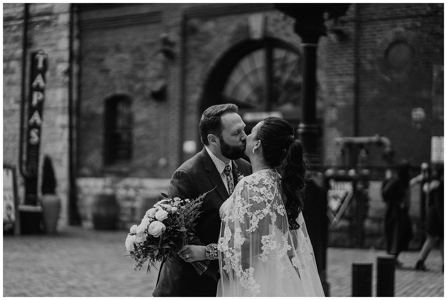 Katie Marie Photography | Archeo Wedding Arta Gallery Wedding | Distillery District Wedding | Toronto Wedding Photographer | Hamilton Toronto Ontario Wedding Photographer |_0009.jpg
