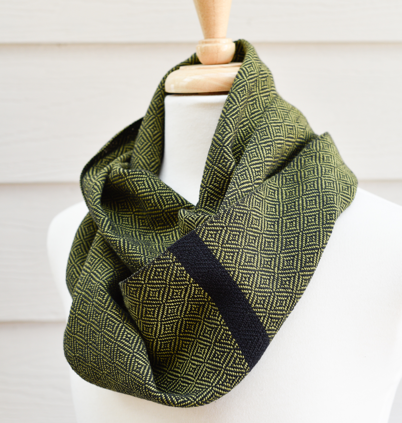 Luxe - Olive Geometric (1)