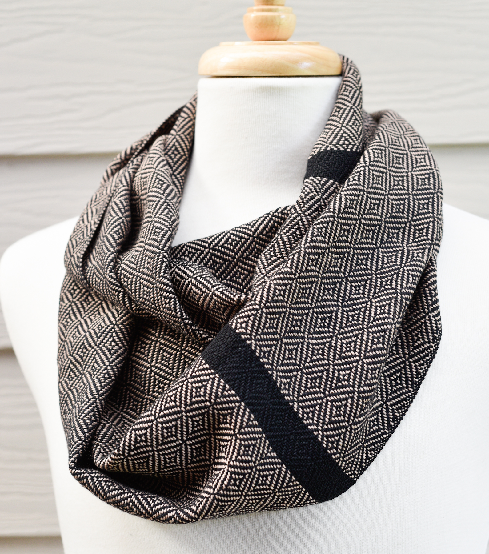 HandwovenCottonScarf_GeometricOatmeal.jpg