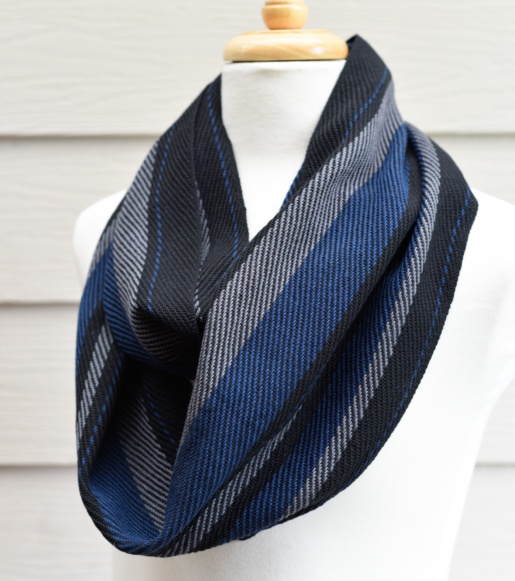 HandwovenMensScarf_BlueDapper1.jpg