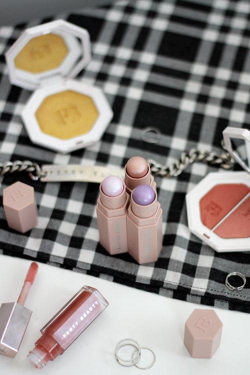 Flatlay-Rihanna-Fenty-Beauty-Makeup-Photography-by-Amy-Mckissock.jpeg