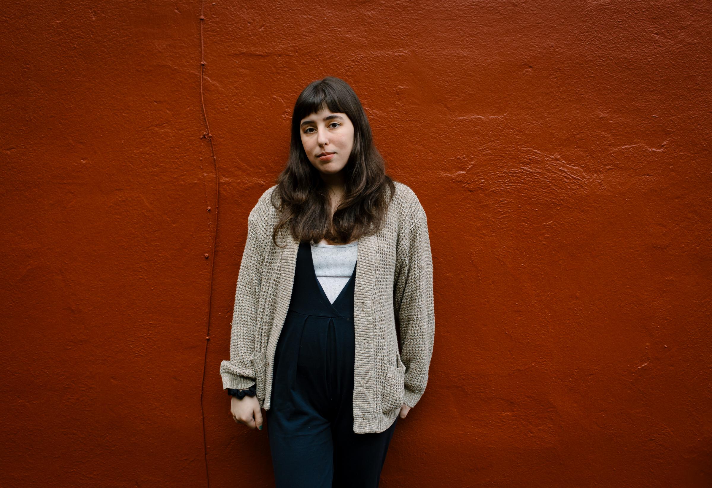 Molly Mendoza - THE ARTIST IN HER STUDIO // HEADSHOTS