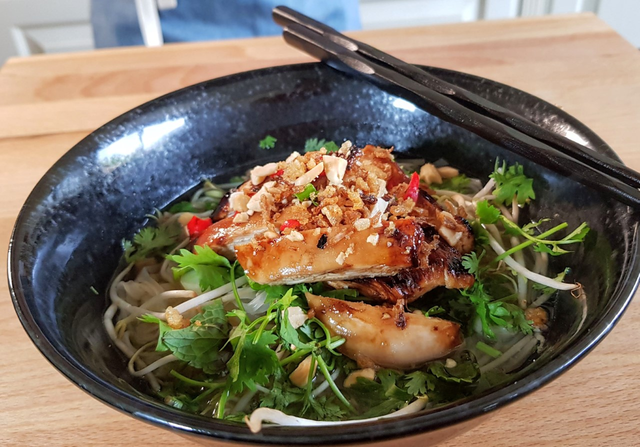 thumbnail_asian chicken and rice noodle soup 2.jpg