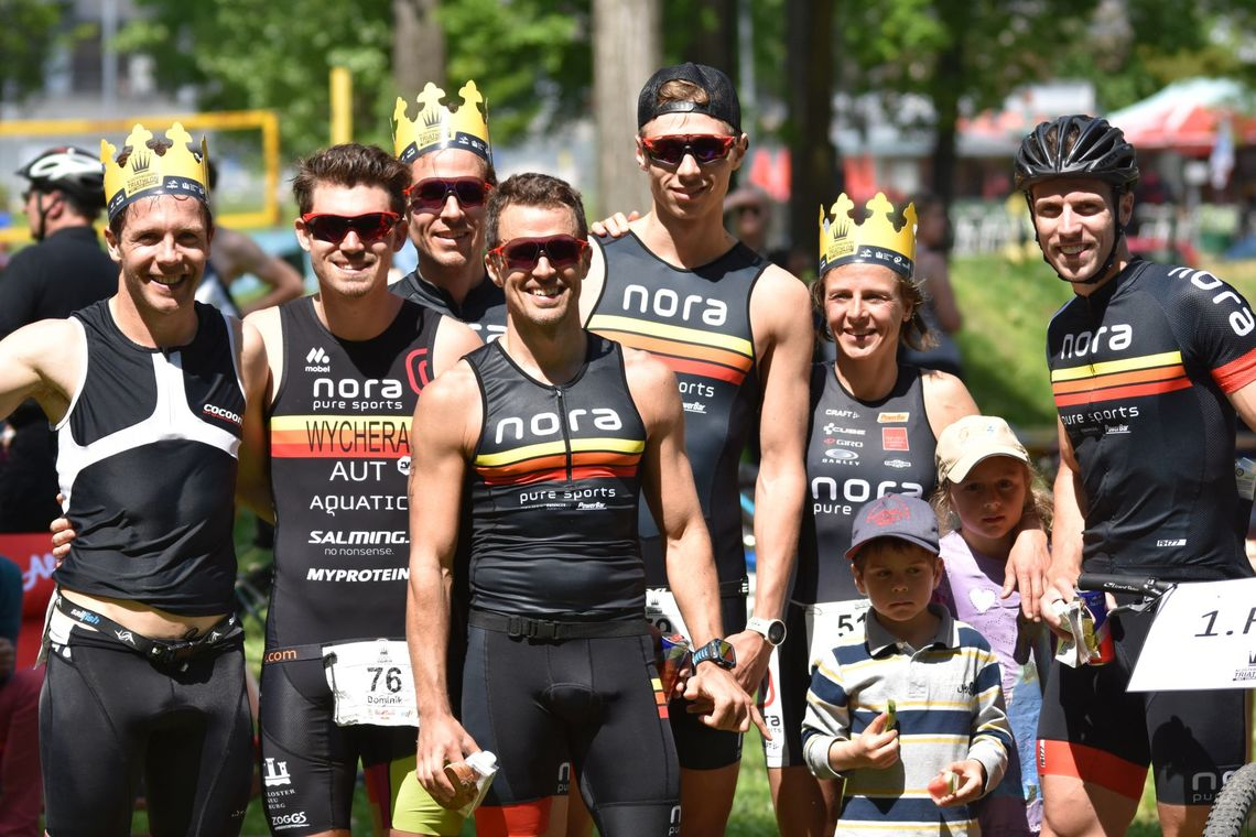 Nora_Racing_Team_Group_Pic.jpg