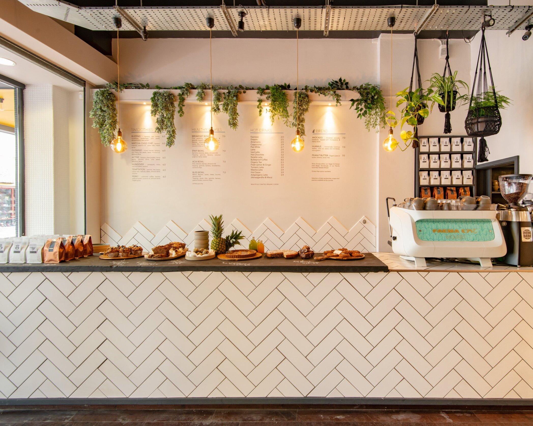 WOLFOX HEALTH CAFE - BRIGHTON  ( 27 Preston Street, Brighton, BN1 2HP )   BRUNCH & DINNER MENU   EMAIL  info@wolfox.co.uk