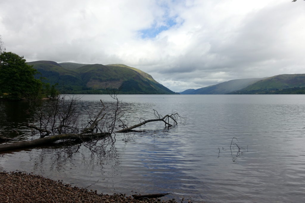Find out more about the Great Glen Way: a beautiful, budget-friendly trail across Scotland - perfect for solo hikers! awomanafoot.com | Hiking trails in Scotland | Best hiking destinations | Hiking solo | Trails for female solo hikers | Visiting Scotland on a budget | Trail description | UK | Britain | #Scotland #GreatGlenWay #Solo #Trail #Hiking #Camping