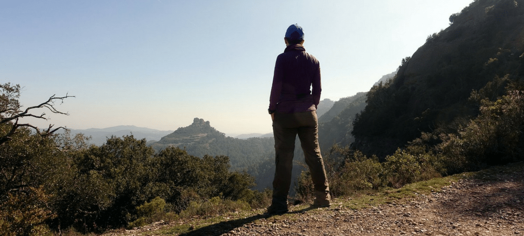 Hiking solo might be just what your introverted soul needs! Read on the benefits of hiking alone for introverts. | solo hikers |anxiety | mental health | introversion | #solo | #hiking | #anxiety | #mentalhealth | #wellness #solitude | #introvert | awomanafoot.com