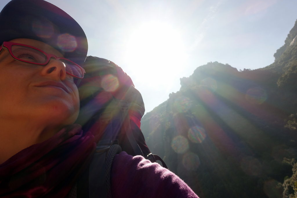 Check out the awesome hiking benefits backed by science! Hit the trails today to boost your mental and physical health - and enjoy the Outdoors at the same time!  awomanafoot.com   #Hiking and #Camping   #MentalHealth   #Anxiety   #Fitness   #Wellness  