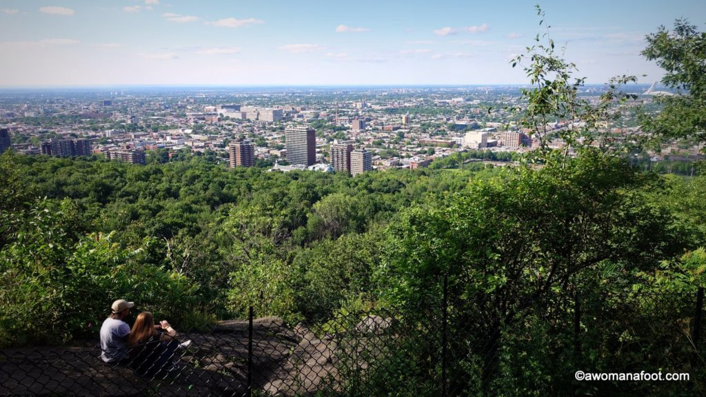Lovely green spaces, fascinating history and jaw-dropping views: why visit to Parc du Mont-Royal is a must! Quebec | Montréal | Canada | Cityscapes | Best city parks | City guide | Awomanafoot.com