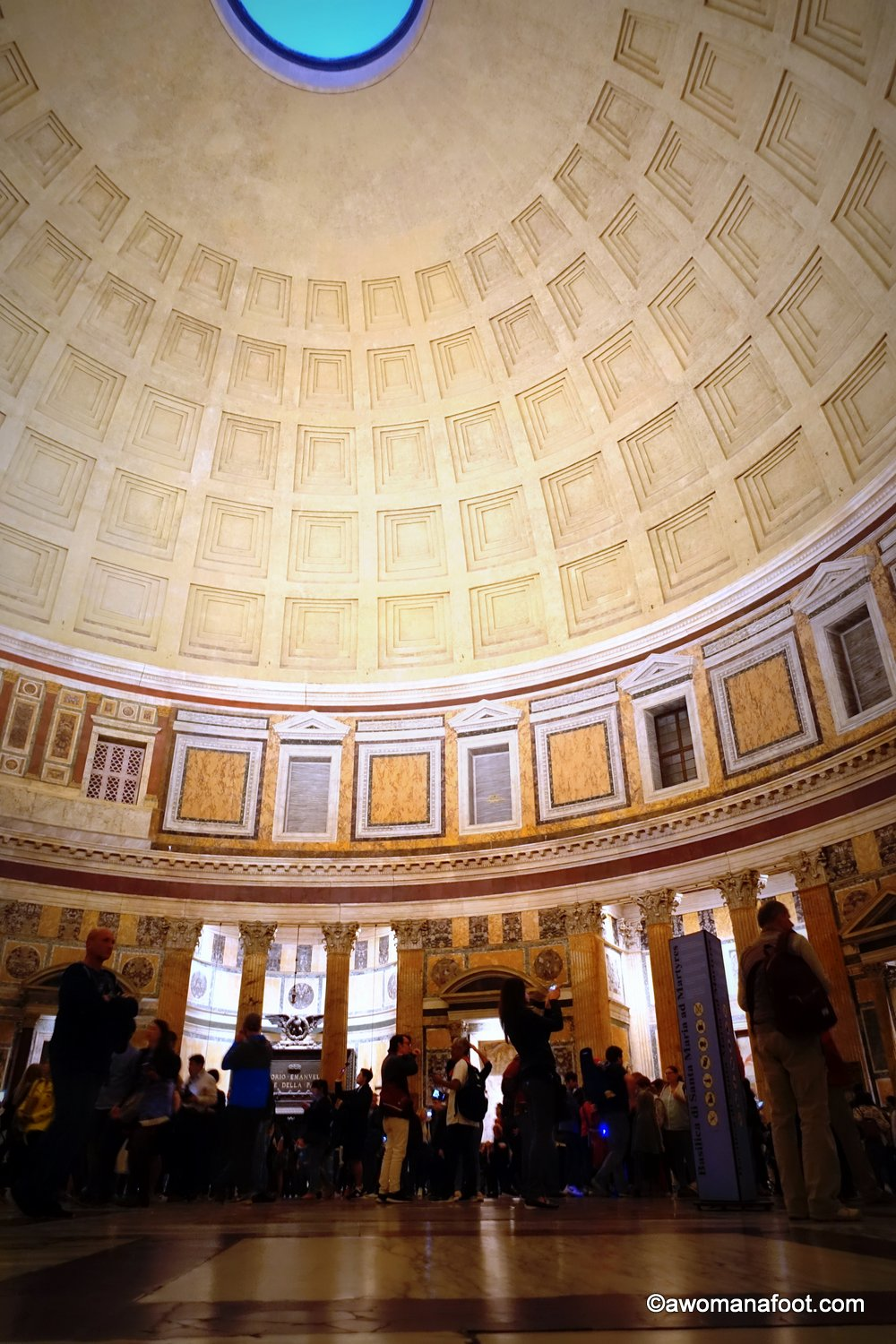 Pantheon: the Marvel of Ancient Roman Architecture - a must see on any Roman itinerary! #Rome | #Italy | Ancient Architecture | Cultural #Travel | Must-see in Rome | Western Europe Travel | Beautiful places |