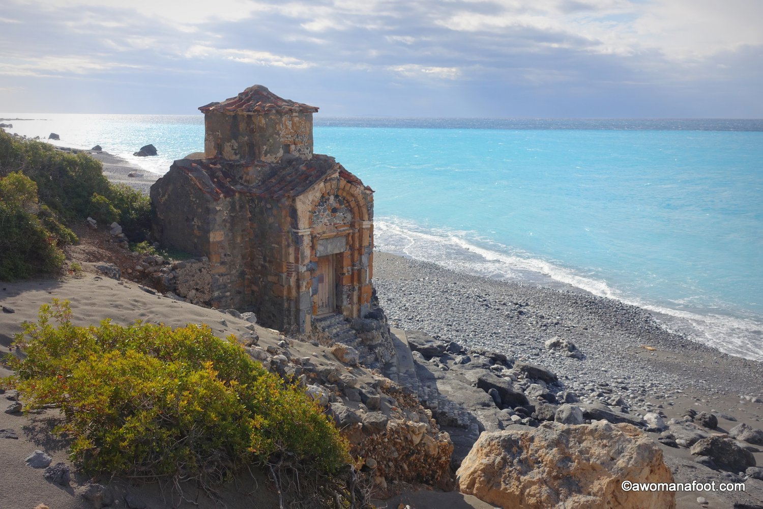 Four more days of solo hiking along the E4 trail on Crete, Greece. Fantastic views, horrible weather and hard decisions to be made. | Female solo hiking | Hiking on Crete | Great European Trails | Greek Adventure | #Hiking #Crete #E4trail #FemaleSoloHiking | Awomanafoot.com