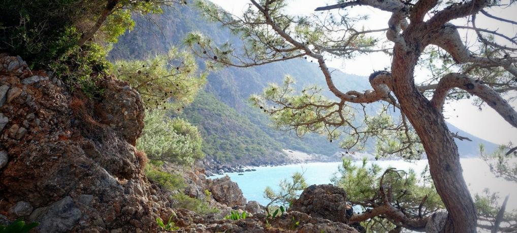female solo hiking crete E4 greece.png