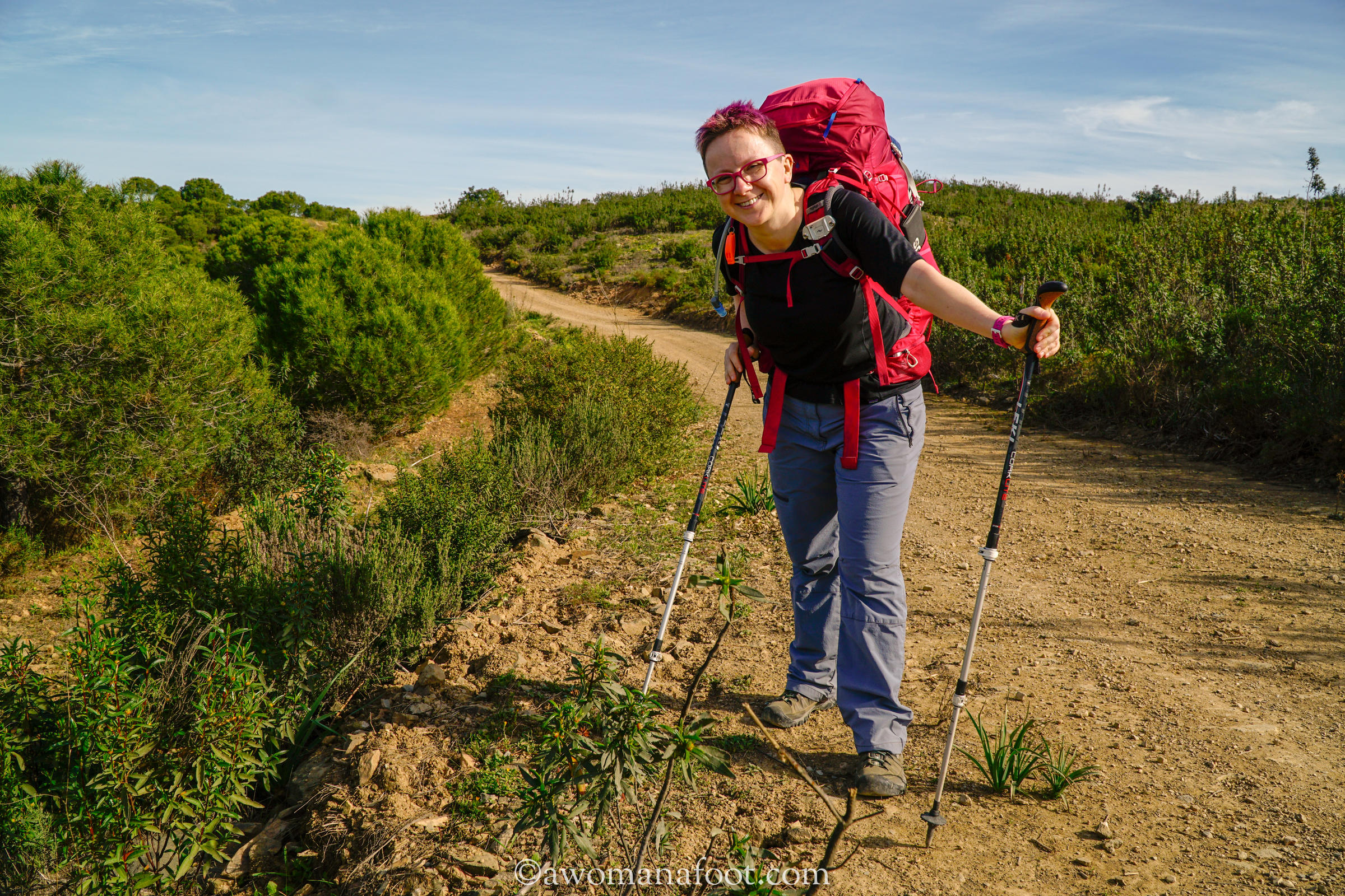 Spring is just the perfect season for hiking! Click to learn all you need to know to enjoy a safe and pleasant spring hike @awomanafoot.com! | Hiking advice | Hiking gear and equipment | What to wear hiking | Hiking clothes | Safe hiking in Spring | Hiking in bad weather | #Hiking #Gear #SpringHiking #HikingTips #HikingGear #Outdoors #HikingAdvice