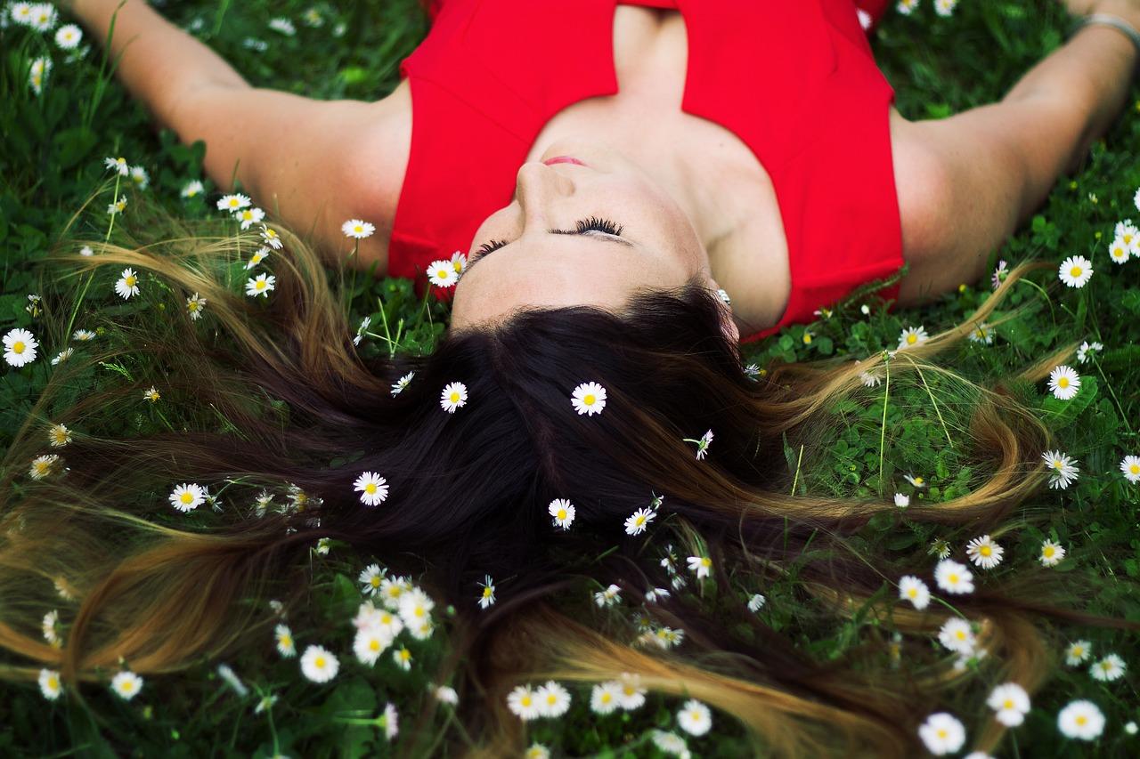 WEEK 3 - Selbstbild - Entdecke den die Traumfrau in dir, finde deinen Schatz und zeige den negativen Selbstgedanken, Schuld, Vorwürfe und Selbstzweifeln den Stinkefinger