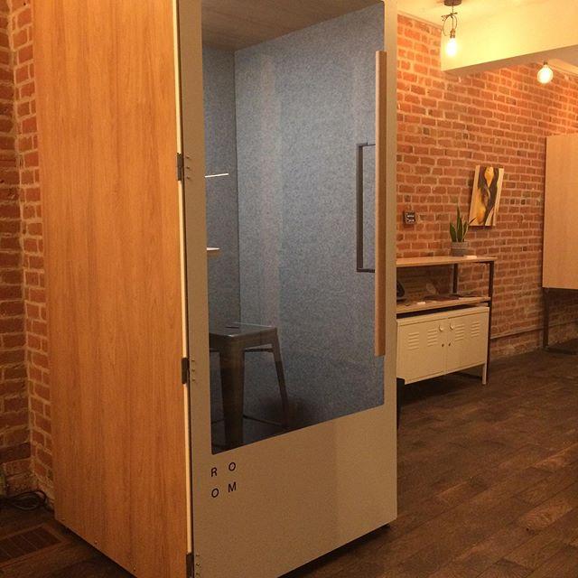 Nouveau service pour un espace tranquille et confortable!  @madebyroom