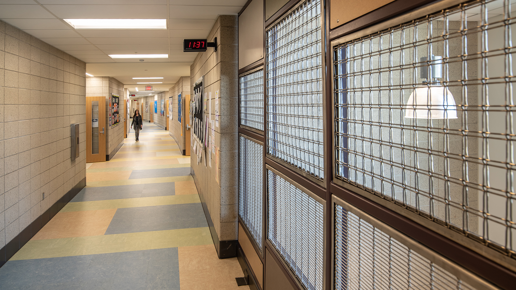 Mesh 05 hallway.jpg