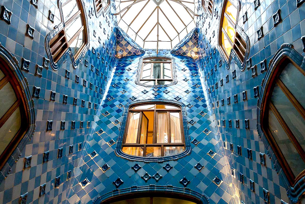 Casa Batllo / Antoni Gaudi / Barcelona, Spain