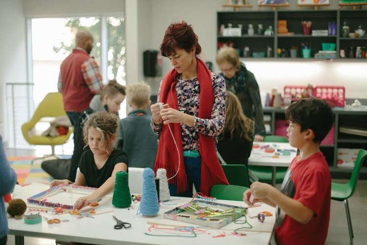 guests enjoying drop-in activities