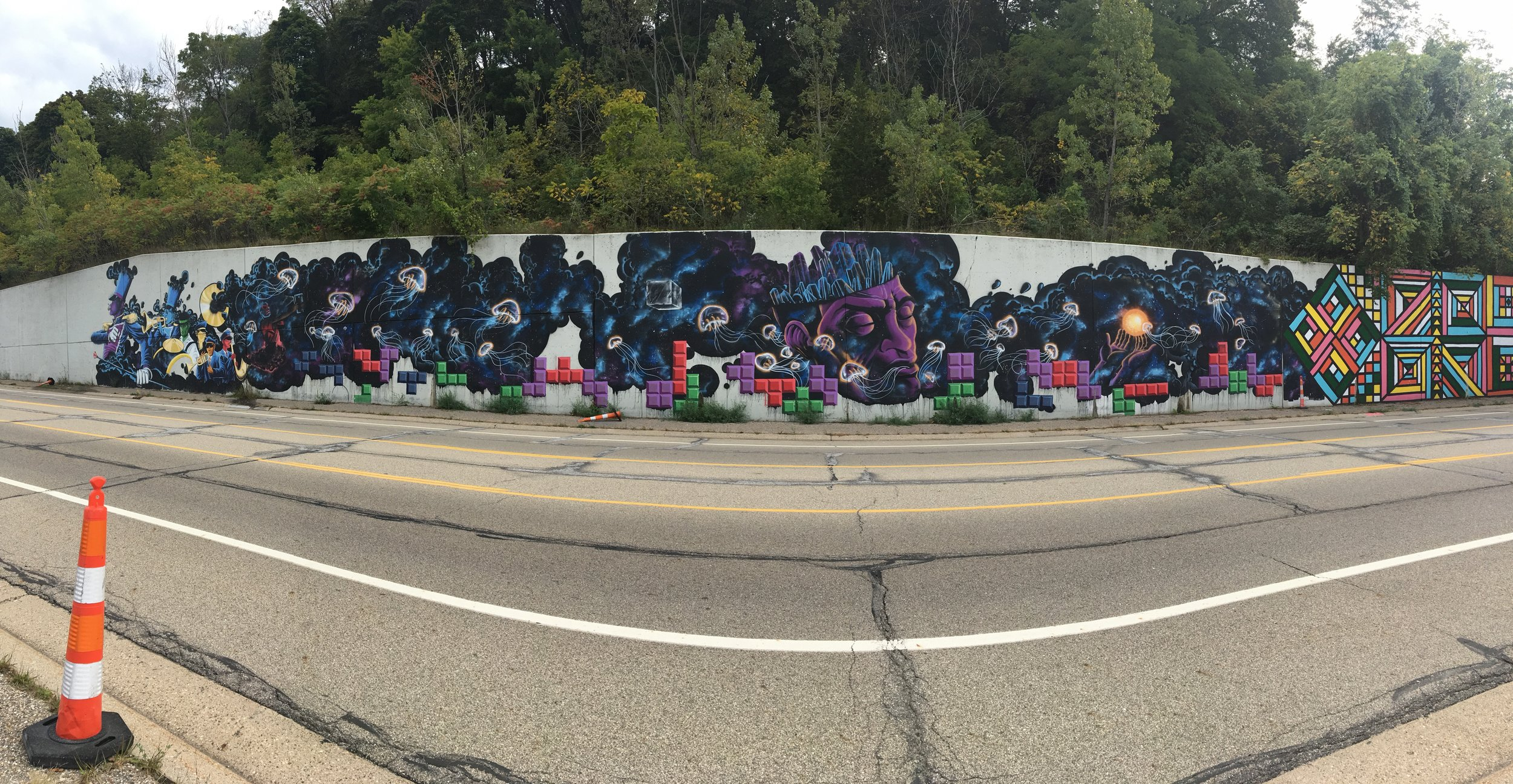 Eberheart retaining wall mural on I-196 (full view)