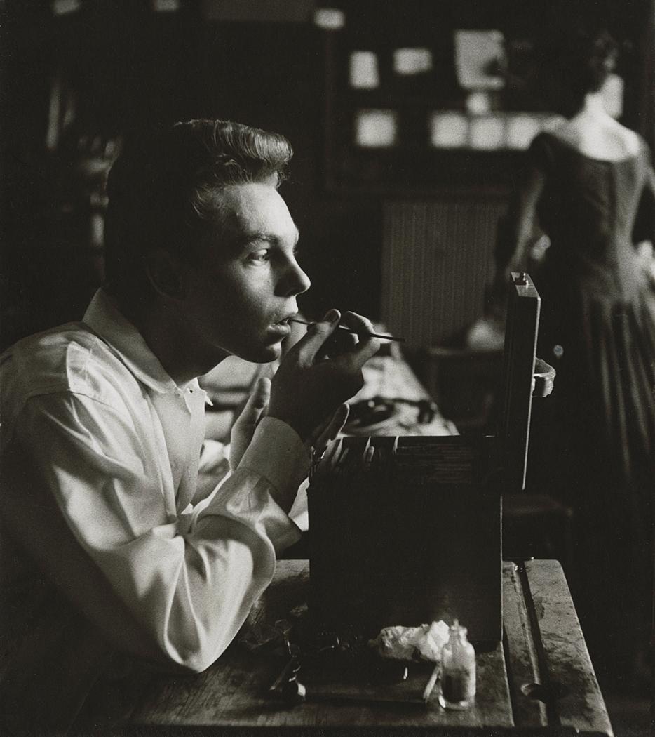 Derek Jacobi by Rollie McKenna 1957.jpg