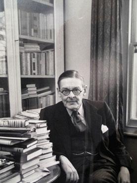 T.S. Eliot by Alfred Eisenstaedt.jpg