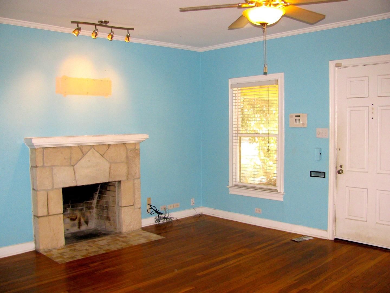 114 Montclair Alamo Heigths Living Room Before David Montelongo Design Build.JPG