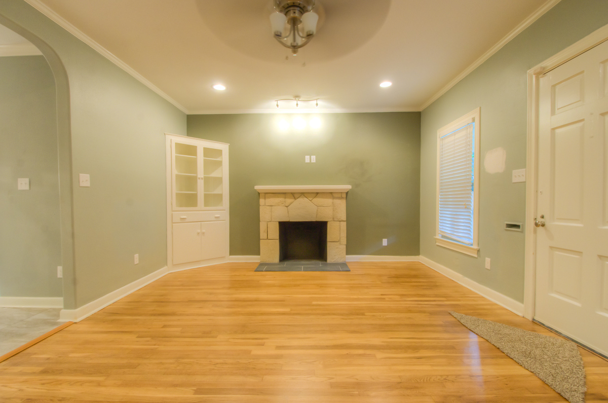 114 Montclair Alamo Heigths Living Room After David Montelongo Design Build.jpg