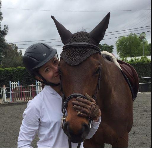 mia horse.JPG