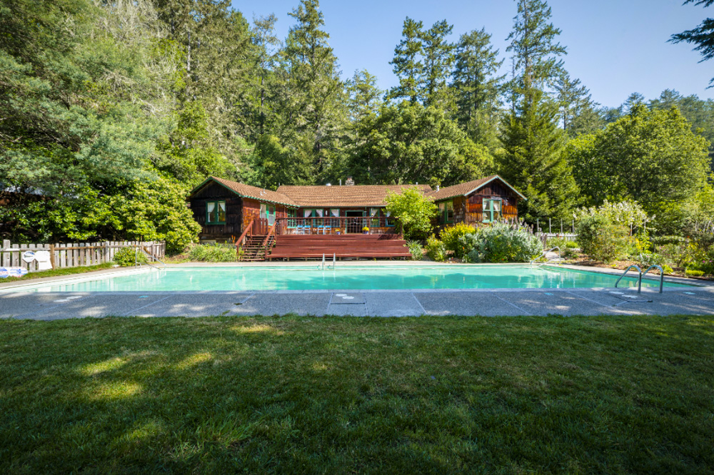 Venture-Retreat-Center-Nature-Lodge-Pool.jpg