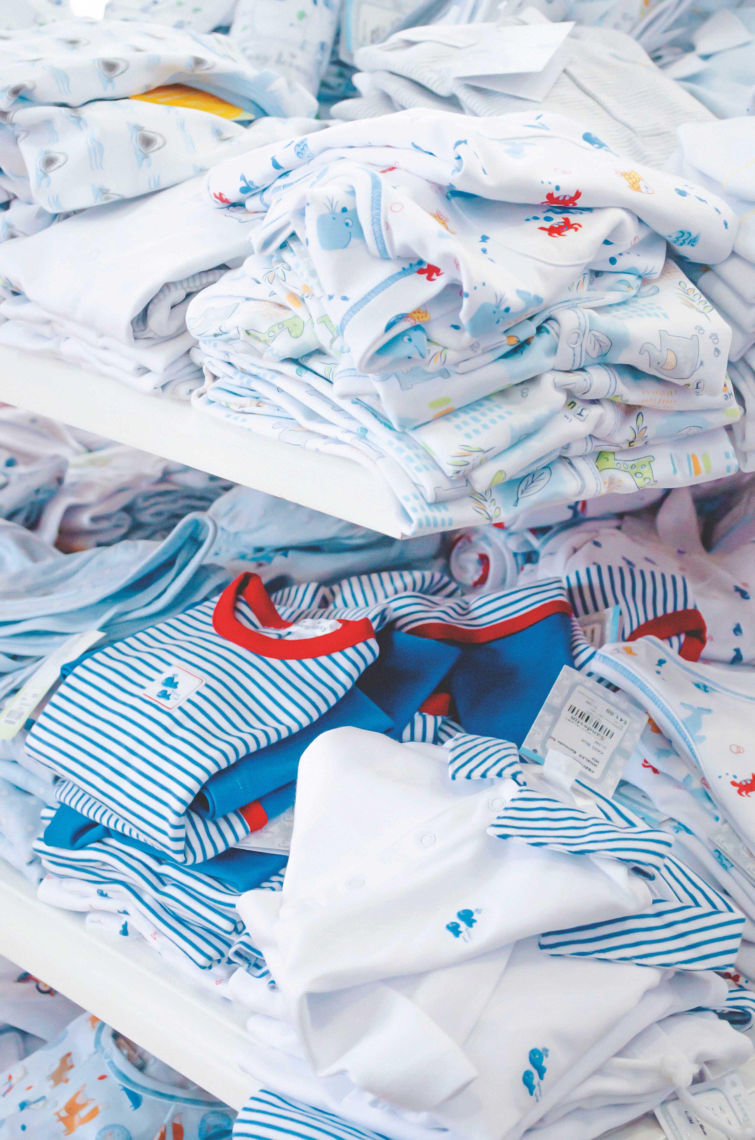 apparel-baby-clothes-blue-2252000_2.jpg