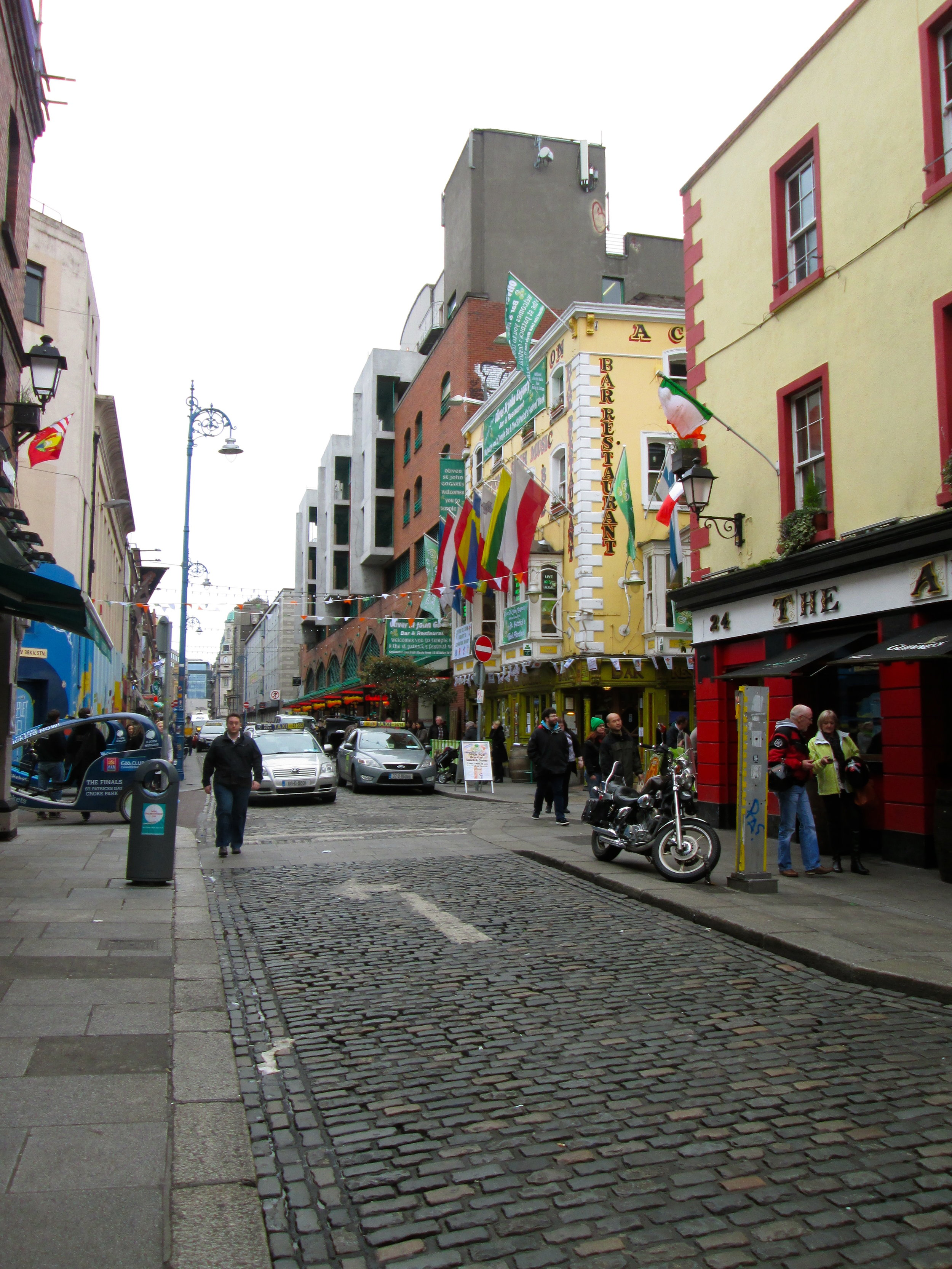 Temple Bar during the day time.