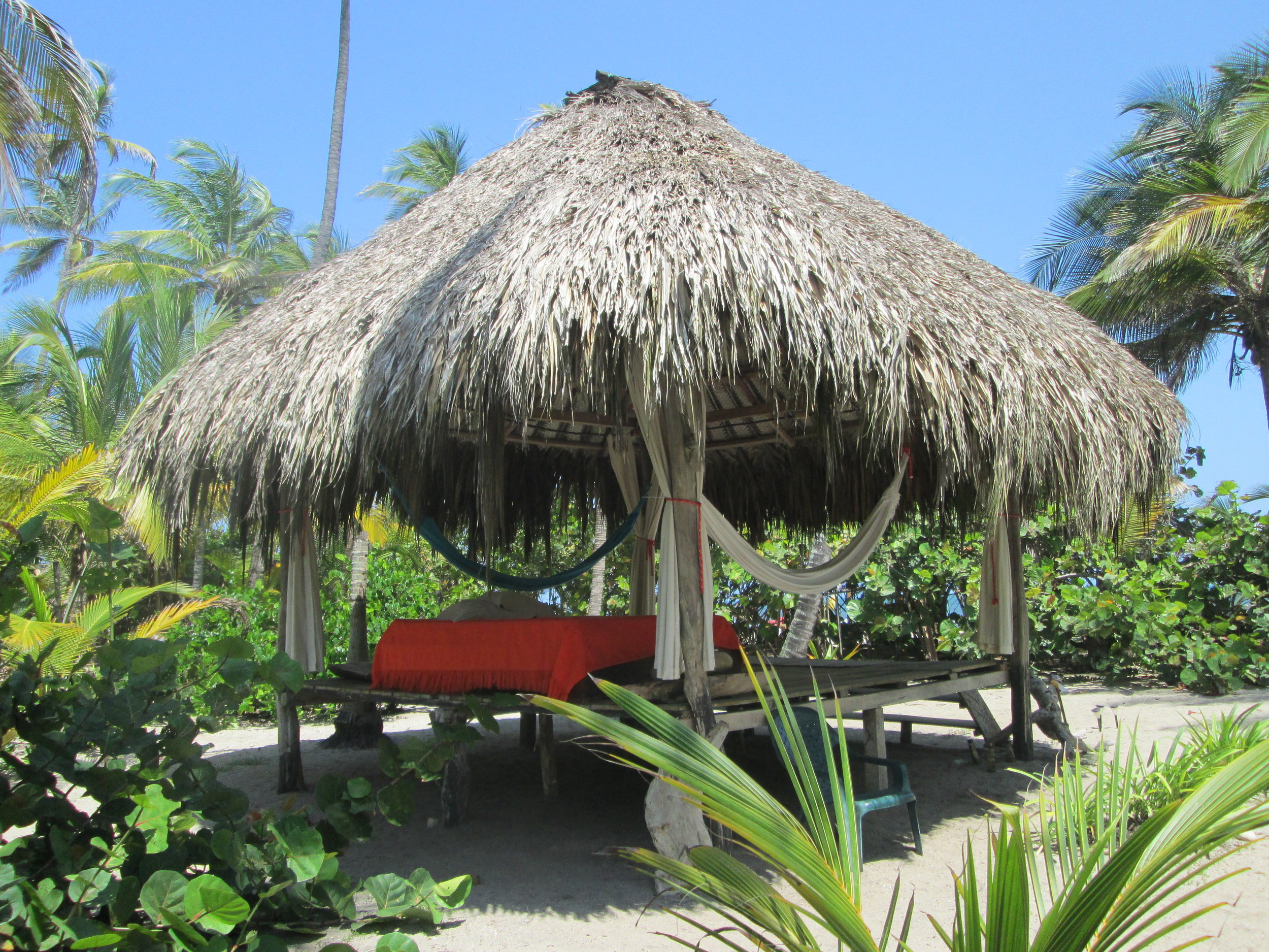 A relaxation hut at the Playa Pikua Lodge in Tayrona.