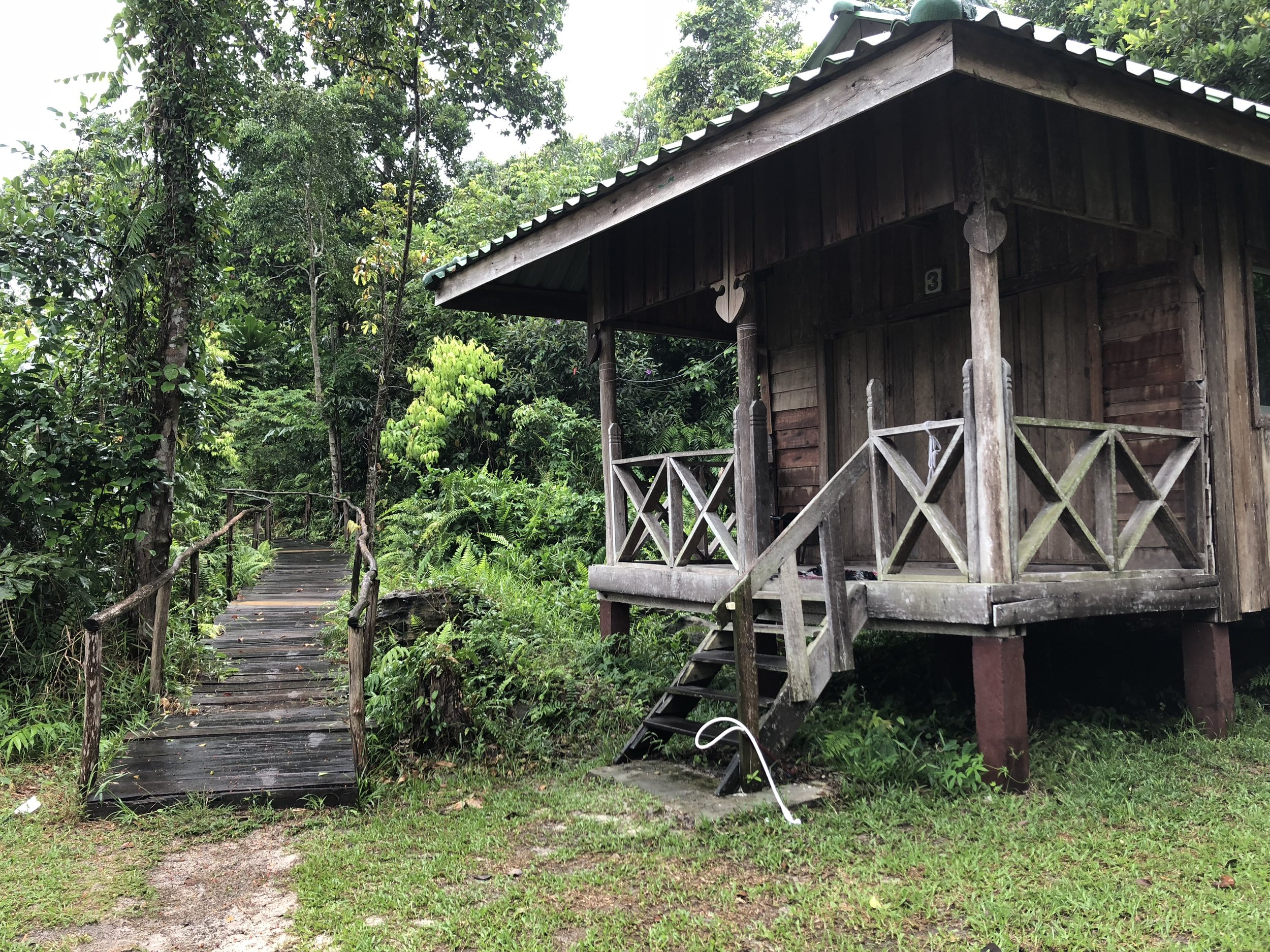 Mad Monkey Hostel in Koh Rong Samloem (private villa).