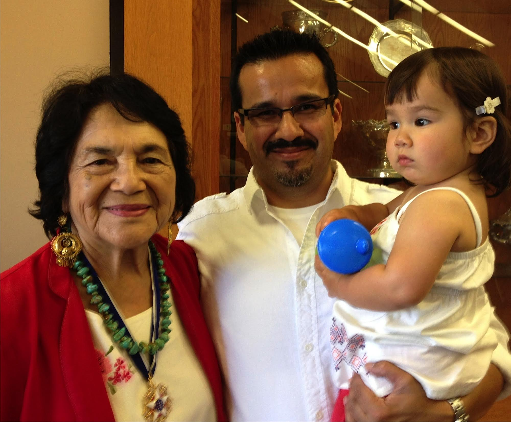"""David with civil rights activist Dolores Huerta.                       Normal    0                false    false    false       EN-US    ZH-CN    X-NONE                                                                                                                                                                                                                                                                                                                                                                                                                                                                                                                                                                                                                                                                                                                                                                                                                                                                                                                                                                                                                                                                                                                                                                                                                                                                                          /* Style Definitions */ table.MsoNormalTable {mso-style-name:""""Table Normal""""; mso-tstyle-rowband-size:0; mso-tstyle-colband-size:0; mso-style-noshow:yes; mso-style-priority:99; mso-style-parent:""""""""; mso-padding-alt:0in 5.4pt 0in 5.4pt; mso-para-margin:0in; mso-para-margin-bottom:.0001pt; mso-pagination:widow-orphan; font-size:12.0pt; font-family:Calibri; mso-ascii-font-family:Calibri; mso-ascii-theme-font:minor-latin; mso-hansi-font-family:Calibri; mso-hansi-theme-font:minor-latin;}         Many students who come from low-income, first-gen, or other disadvantaged backgrounds are put off by the gatekee"""