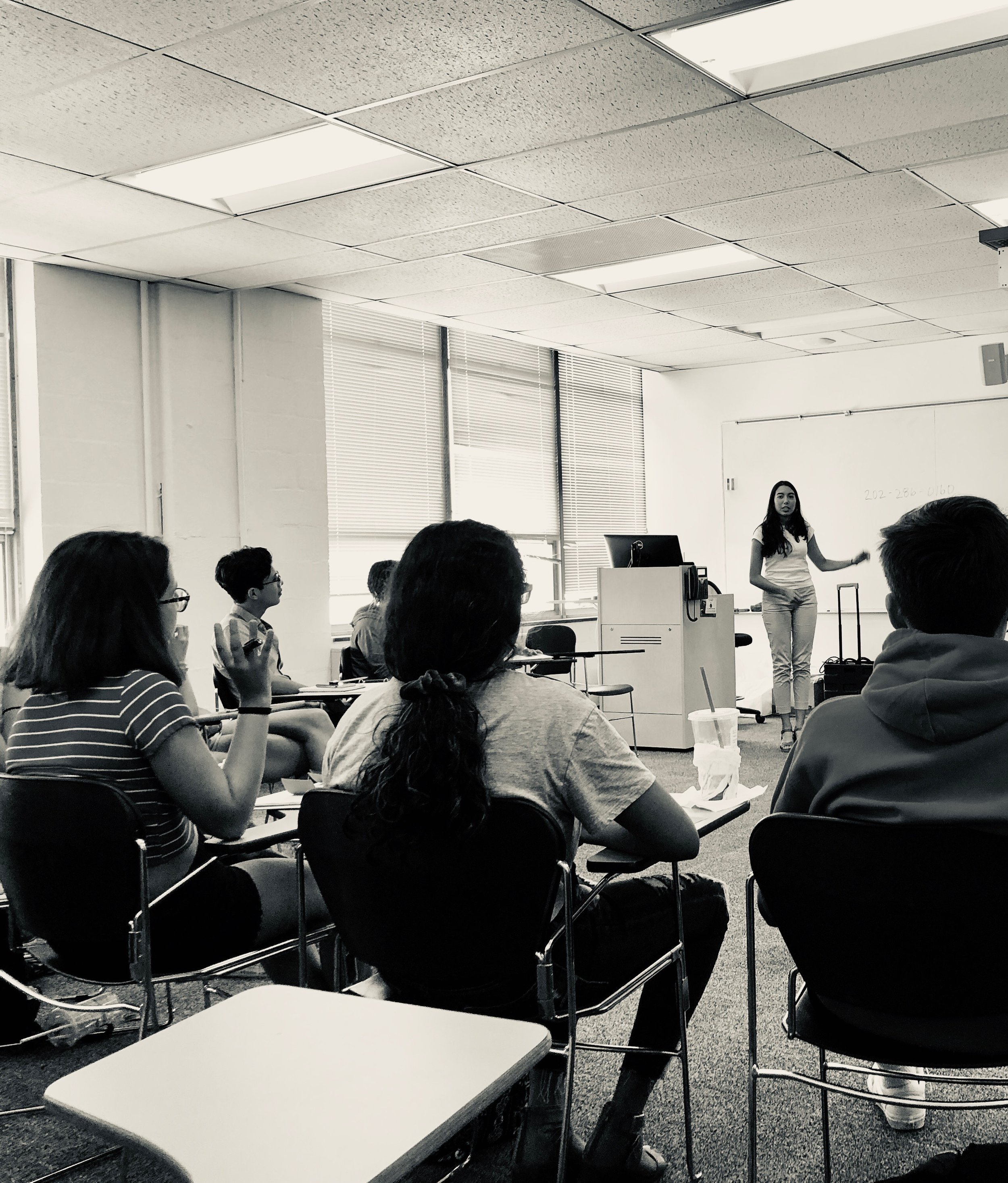 "Listo Rapido is a summer ""boot camp"" hosted by the Latinx Student Fund that teaches rising 10th-12th graders the basics of the college admissions process."