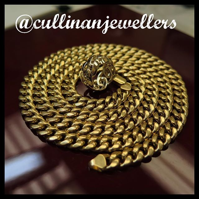 """So lets be honest, pretty much every jeweller on instagram is showing off cuban chains bracelets and rings. Well here's our addition. 14k 30"""" cuban chain with 14k made to fit cuban ring. DM us for best quality and prices on all your cuban needs.  #cullinanjewellers #applewoodplaza #jewelleryoftheday #jewelryoftheday #mississauaga #mississauga_igers #sauga #905 #tdot #toronto #torontofashion #torontolove #torontostyle #torontoartist #416 #customjeweller #goldsmith #jeweler #jeweller #cuban #cubanchain #cubanring #mensfashion #mens #menswear #mensstyle  #mensjewelry #mensjewellery #mensring #goldring"""