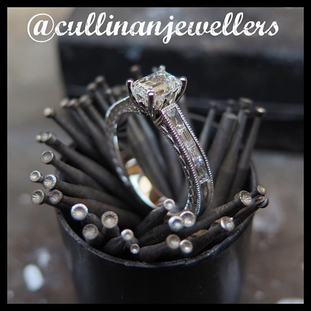 Finished this beautiful emerald cut 💎engagement ring with baguette diamonds down the shank with a touch of something different. Custom hand engraving on the side and milligrain throughout. Book a consultation for your own custom design.  #cullinanjewellers #applewoodplaza #jewelleryoftheday #jewelryoftheday #mississauaga #mississauga_igers #sauga #905 #tdot #toronto #torontofashion #torontolove #torontostyle #torontoartist #416 #customjeweller #goldsmith #jeweler #jeweller #customring #diamonds #diamondring #diamondlife #💎 #engagement #engagementring #shesaidyes #customengagementring #wedding #emeraldcutdiamond