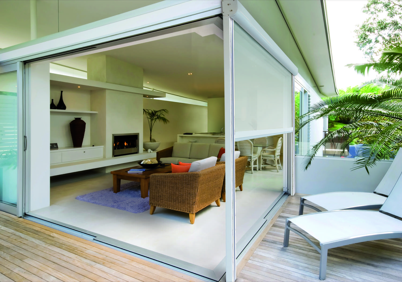 BINARI IN ALLUMINIO - Chiusure laterali semi ermetiche ideali per chiudere un patio o da integrare alle soluzioni di tende a pergola
