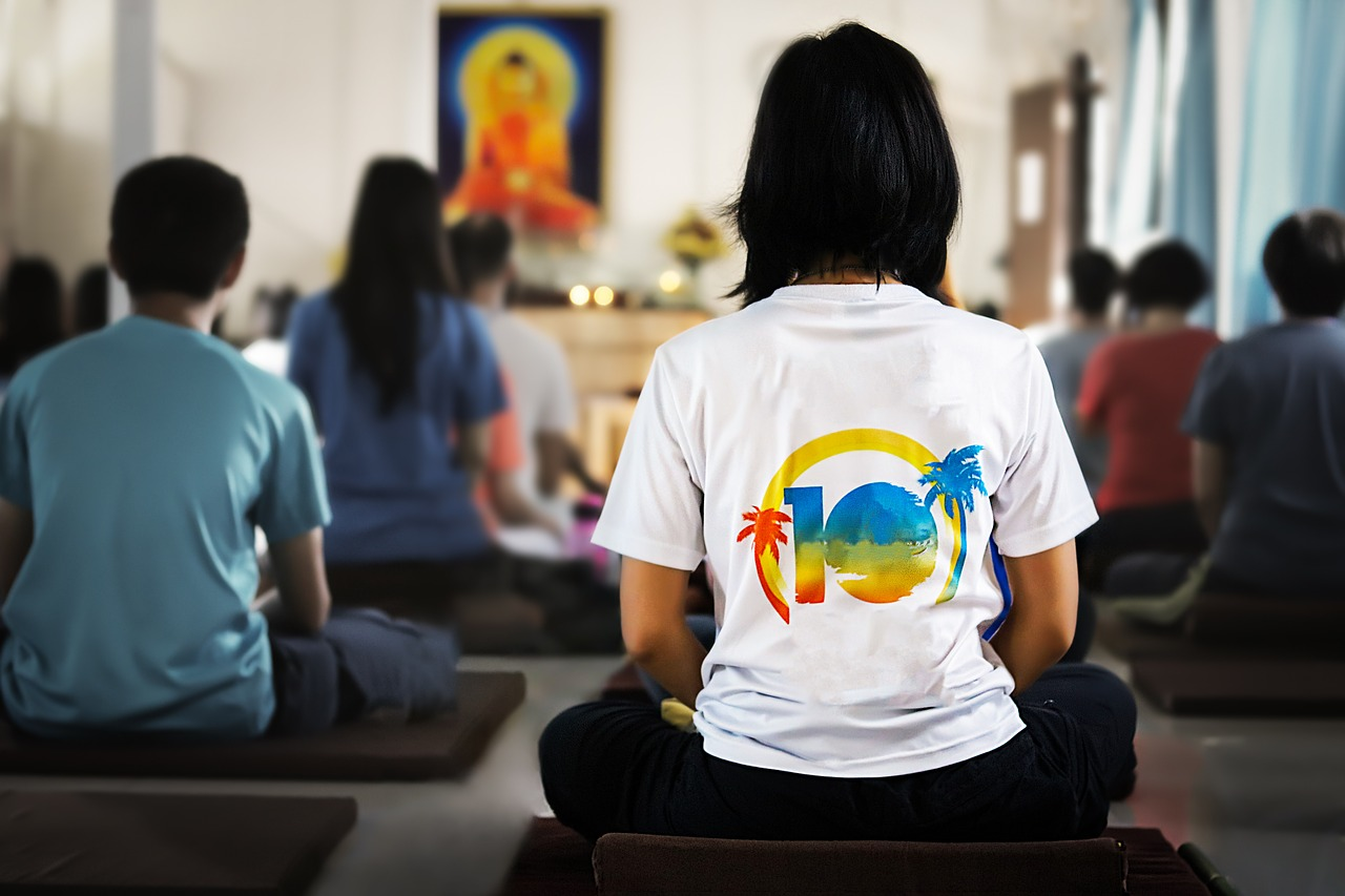 Who… - Individual and group meditation are both beneficial and encouraged. Participants in Insight Chicago generally have both an individual and a group meditation practice. The group or sangha provides a forum for group mediation, discussion and support in the cultivation of ones own meditation practice.