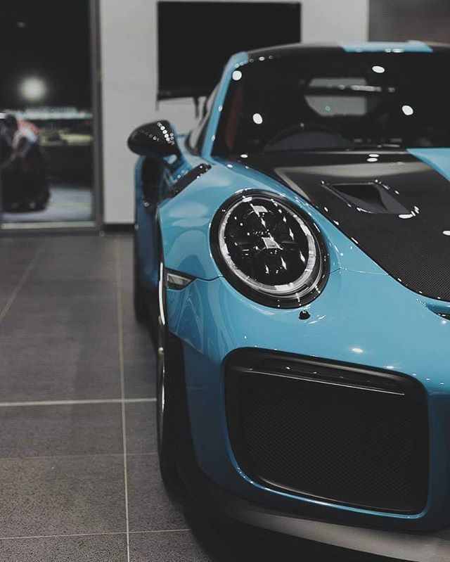 Automobile heaven. Porsche 911.
