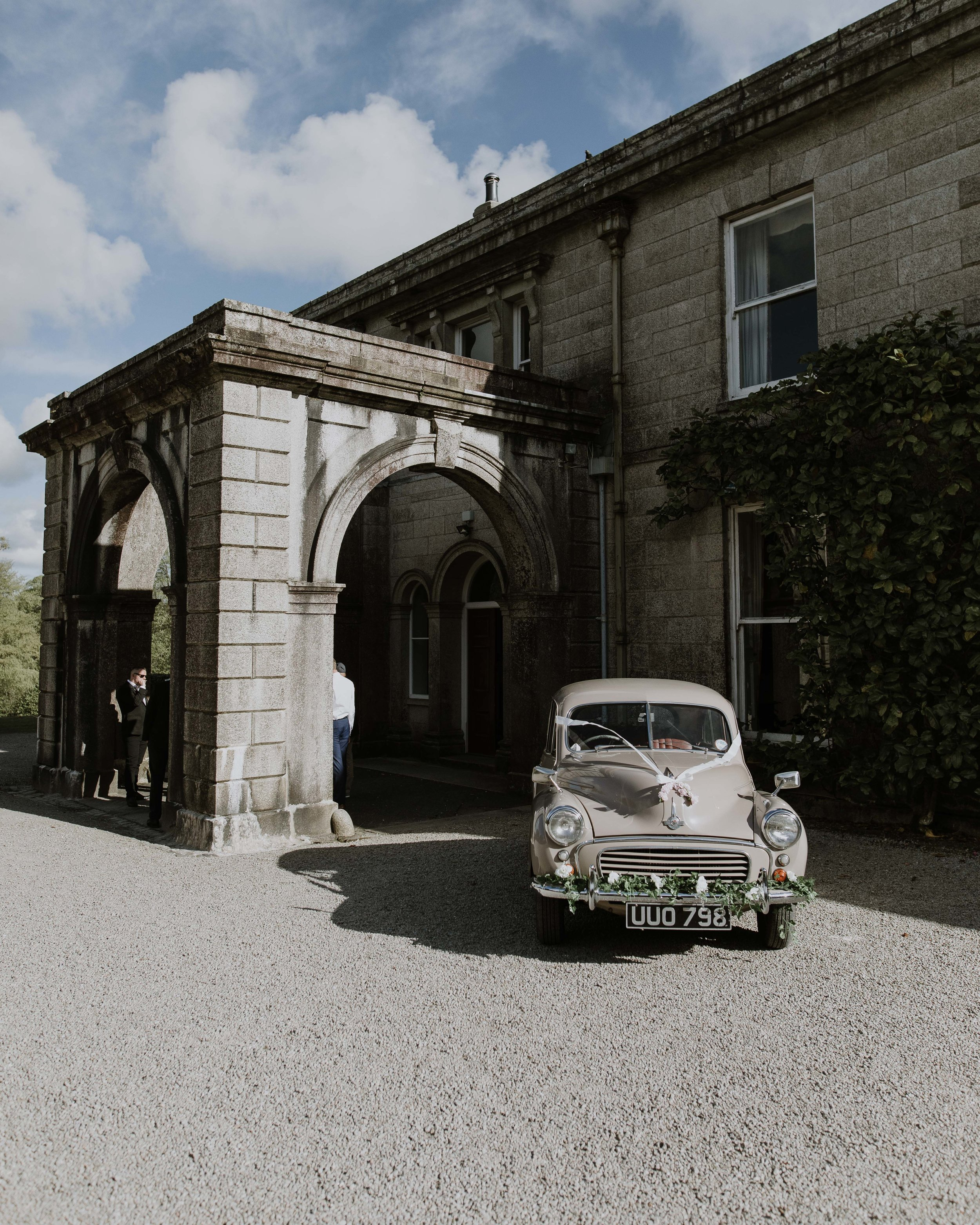 Scorrier House Wedding Venue - Vintage wedding car