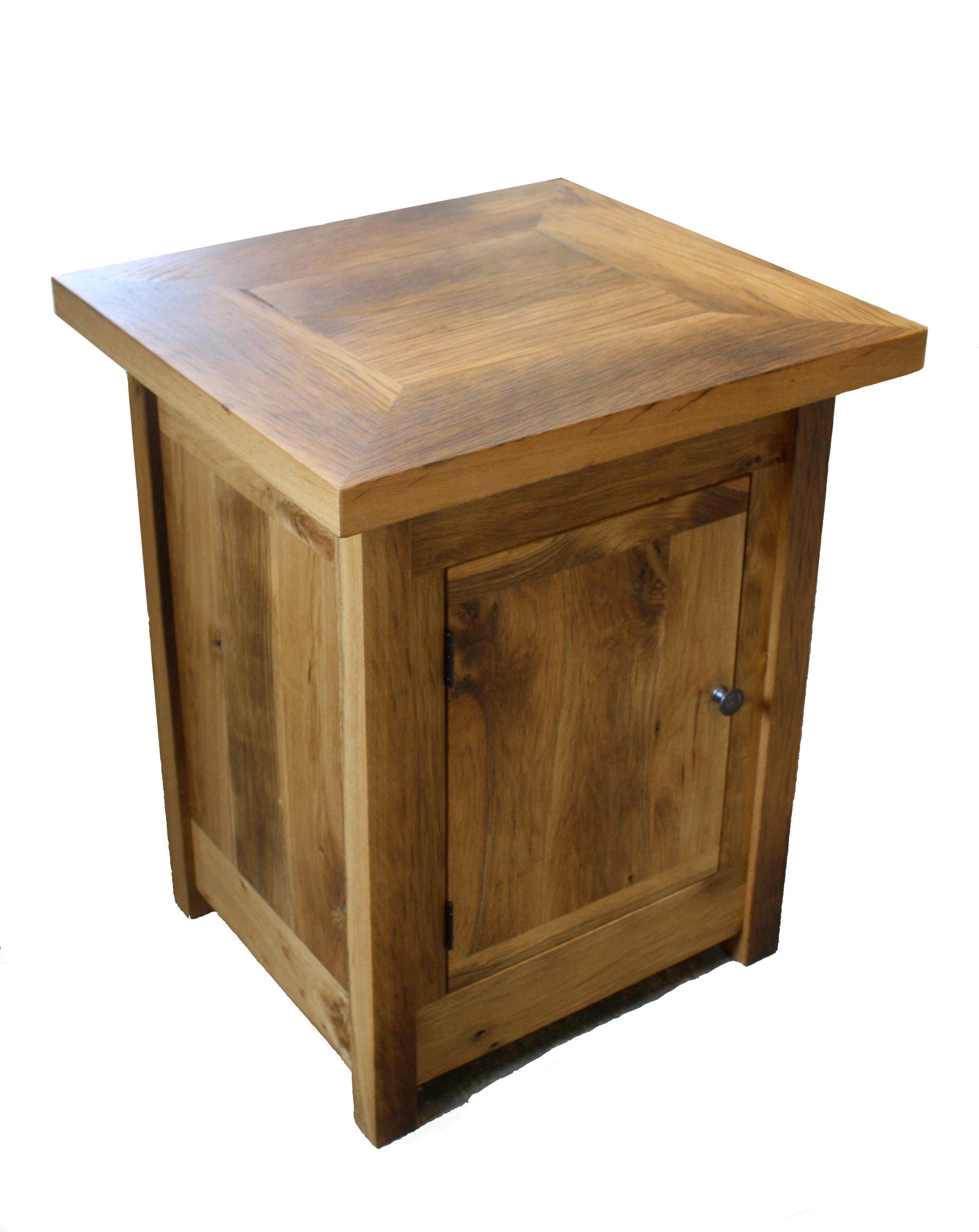 Oak End table w: cabinet.jpg