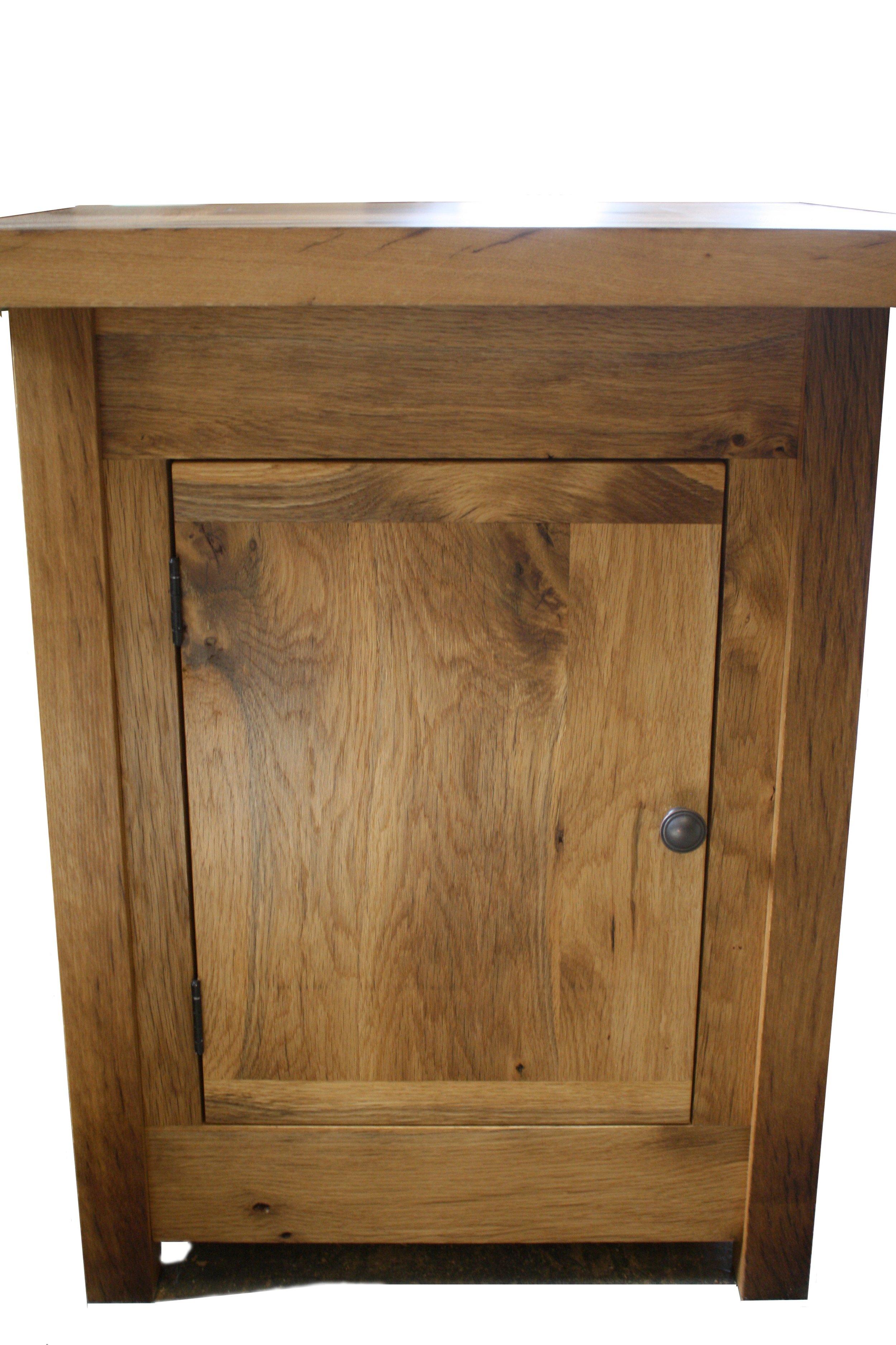 Oak end table front view.jpg