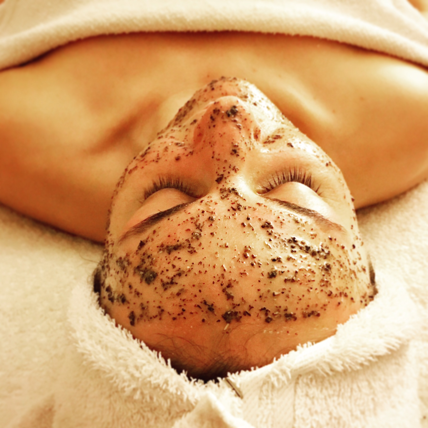 facials - I believe people should have several facials a year and be able to enjoy their treatments. I do not sell you any products during your facial. I want you to relax and have your skin professionally cleaned. Feel free to ask me any questions about your skin and regimen during your facial.