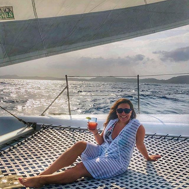 Sit back, relax and enjoy the ride • 📸@lizionlocation . . . . . . #roatan  #passionpassport #natgeogoblue #islandsofadventure #wheretonext #seetheworld #traveladdict #roamtheplanet #onvacation #yacht #roatanisland #islandlife #roatanisland #travellushes  #suitcasetravels #travelstoke #travelandleisure  #familytravel #travelawesome #islandhopping #bbctravel #adventuretime #traveldeeper #luxurytravel #lonelyplanet #beachlife #familyvacation