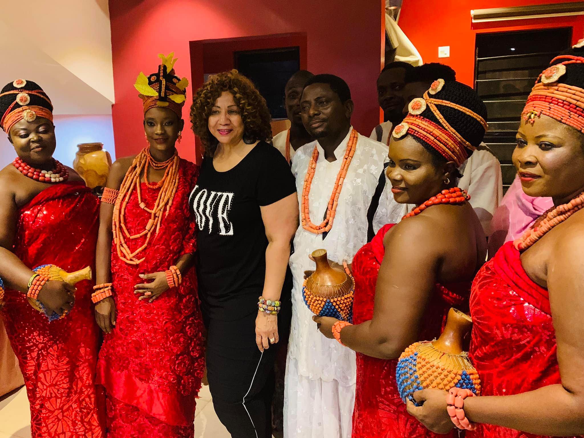 Lorie James Nigerian Oba visit picture 5.jpg
