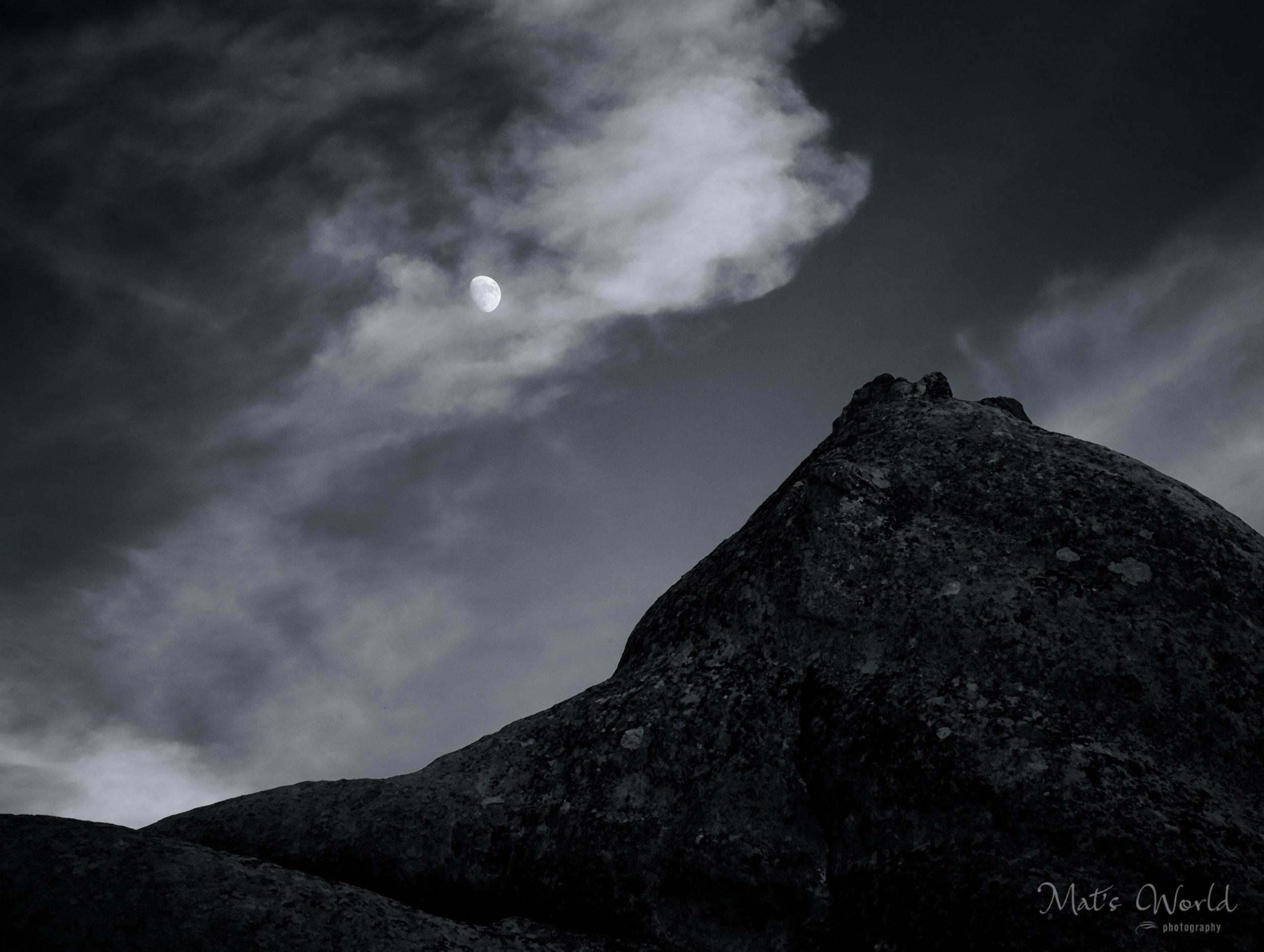 MoonrisePiedra (1 of 1).jpg