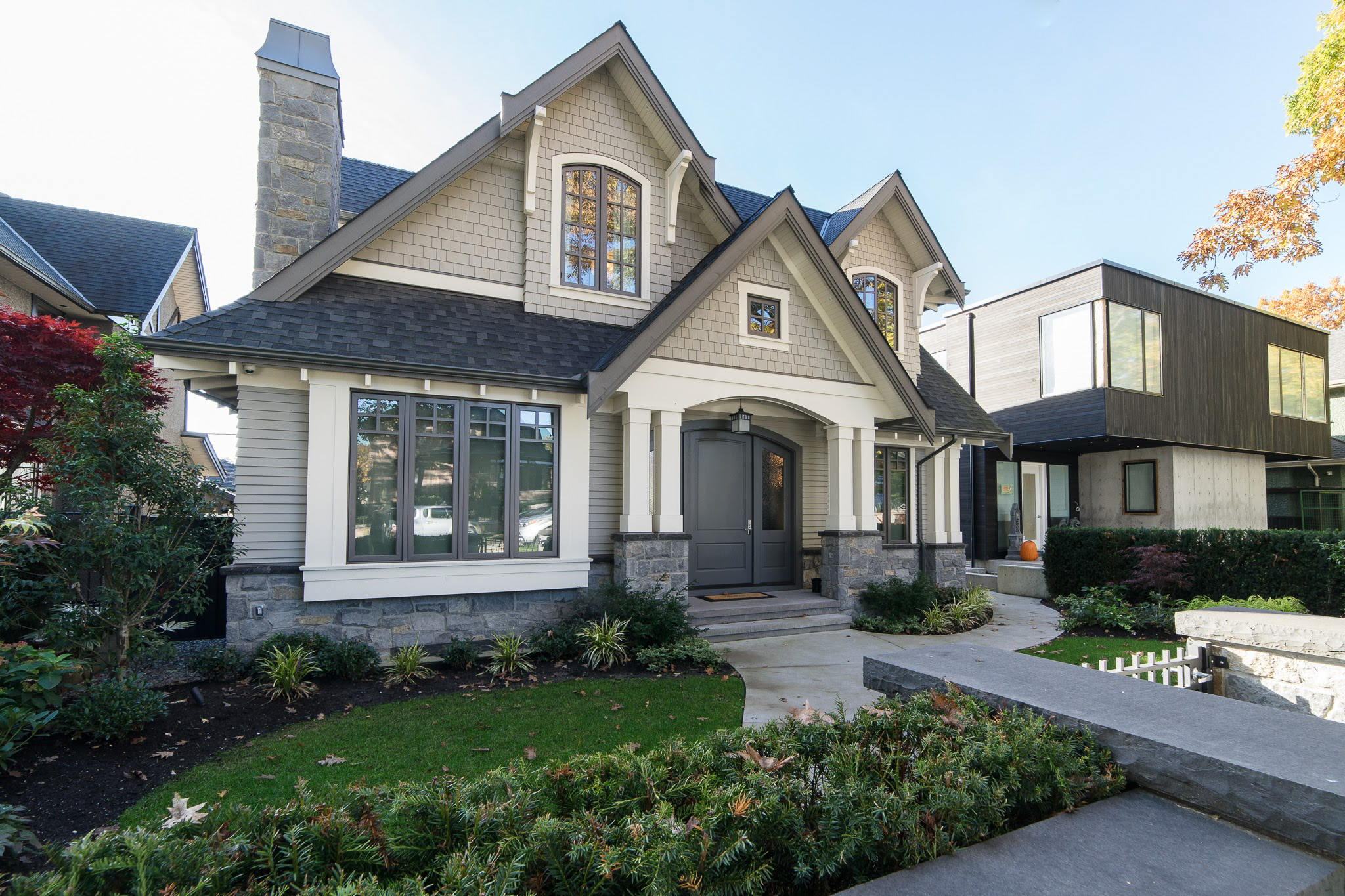 Transitional home exterior