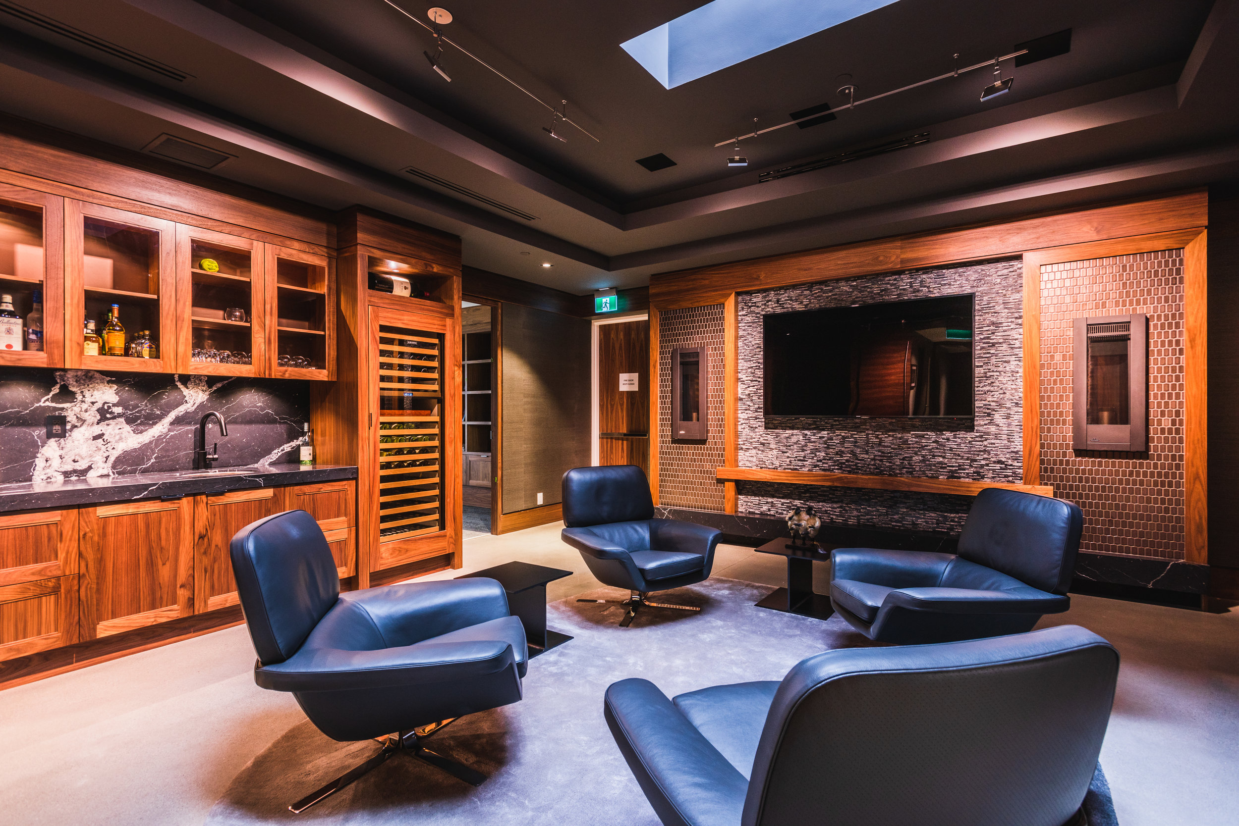 commercial head office executive lounge